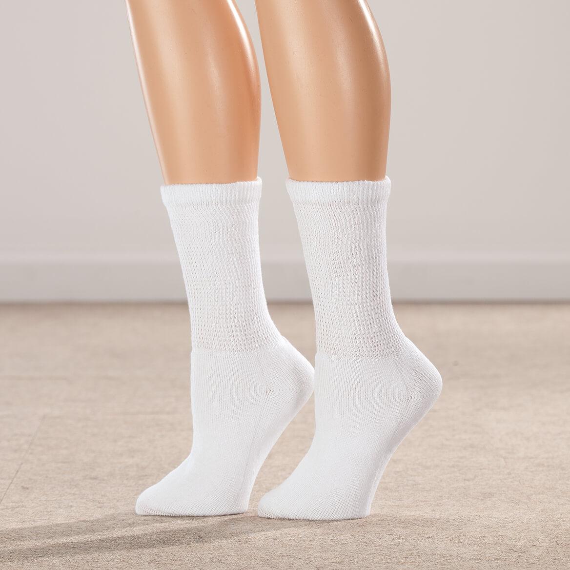 38ea232b3fe447 ... Silver Steps™ 3 Pack 1/4 Cut Cool + Dry Diabetic Socks-358708