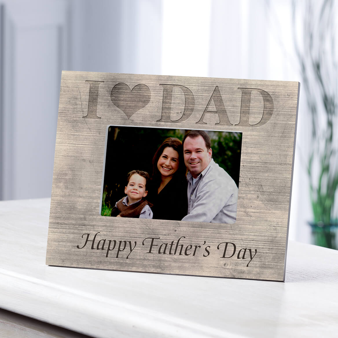 Personalized Shiplap I Love Dad Frame-361182