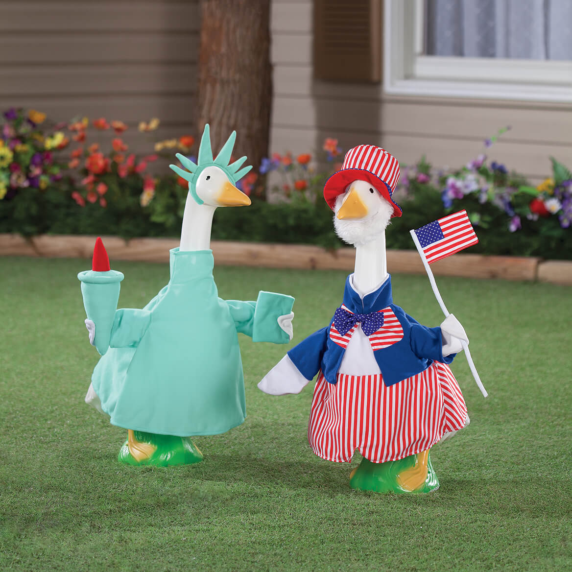 Statue of Liberty Goose Outfit-362812