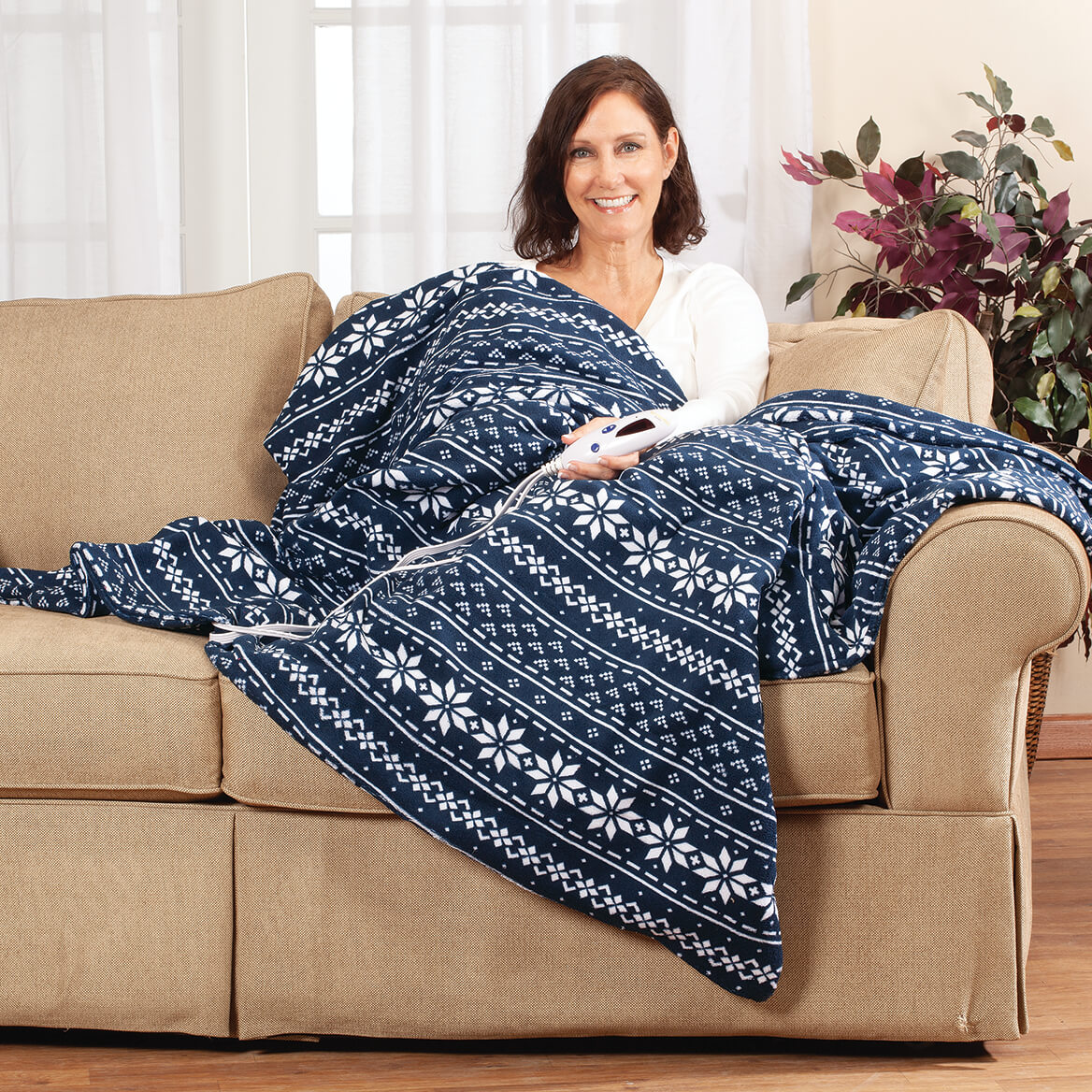 Oakridge™ Micro Plush Heated Throw by Biddeford-368537
