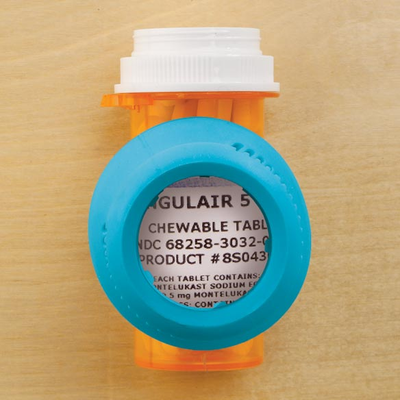 Magnifying Medicine Cap Remover - View 2