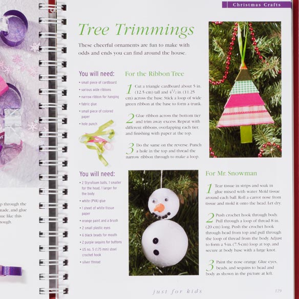 Reader's Digest Ultimate Christmas Book - View 3