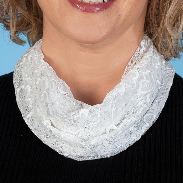 Magnetic Lace Cowl